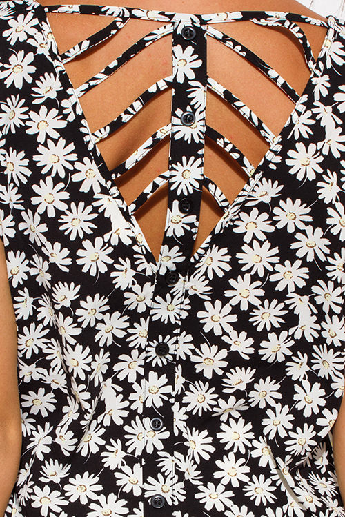 Cute cheap black white floral print scallop trim short sleeve caged cut out back boho blouse top