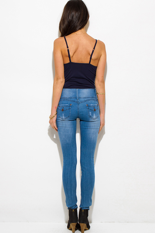 Jeans Dive into the deep blue with our edit of the dreamiest denim jeans. Indigo is the hottest blue hue of the new season with the dark shade sharpening any look, while acid wash denim is the one to work for an undone girlish edge.