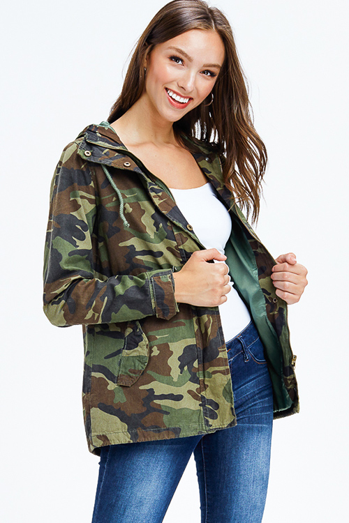 Cute cheap olive green army camo print long sleeve zip up drawstring waist hooded anorak jacket