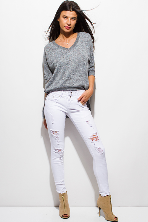 Whether they are skinny jeans, printed, or high waisted, we've got the perfect fit for you! Our jeans are vastly popular with versatile and edgy designs that can easily transition from daytime to evening.