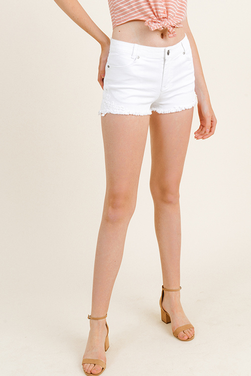 Cute cheap White denim twill crochet lace applique frayed cutoff hem summer jean shorts