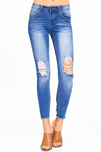 $15 - Cute cheap Medium blue washed denim mid rise distressed ripped knee frayed hem fitted skinny jeans