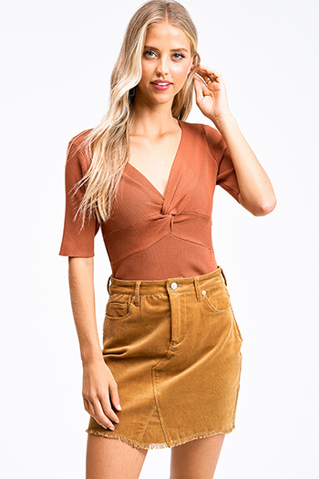 $25 - Cute cheap white asymmetrical hem quarter sleeve zip up fitted blazer jacket top - Rust ribbed knit half sleeve v neck twist knot front fitted bodysuit top