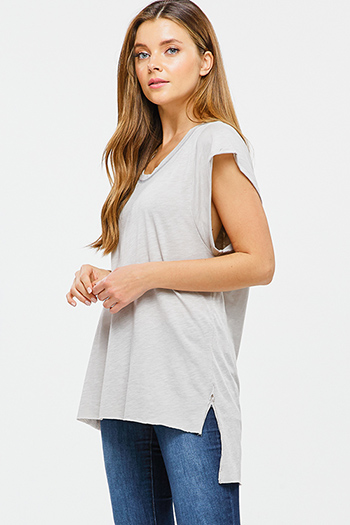 $15 - Cute cheap v neck boho sweater - Taupe grey cuffed short sleeve scoop neck high low hem boho top
